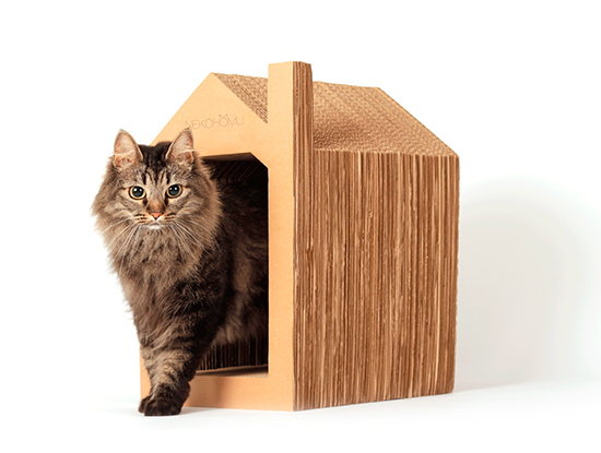 Rascador con forma de casa para gatos de la marca Nekohomu